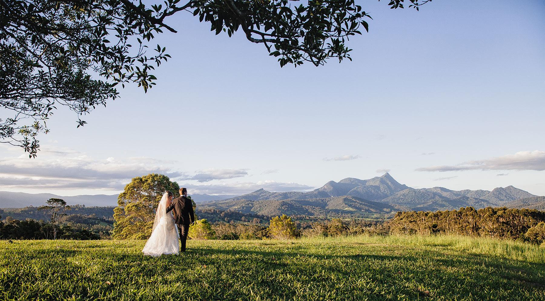 Gold Coast beach wedding photography & videography