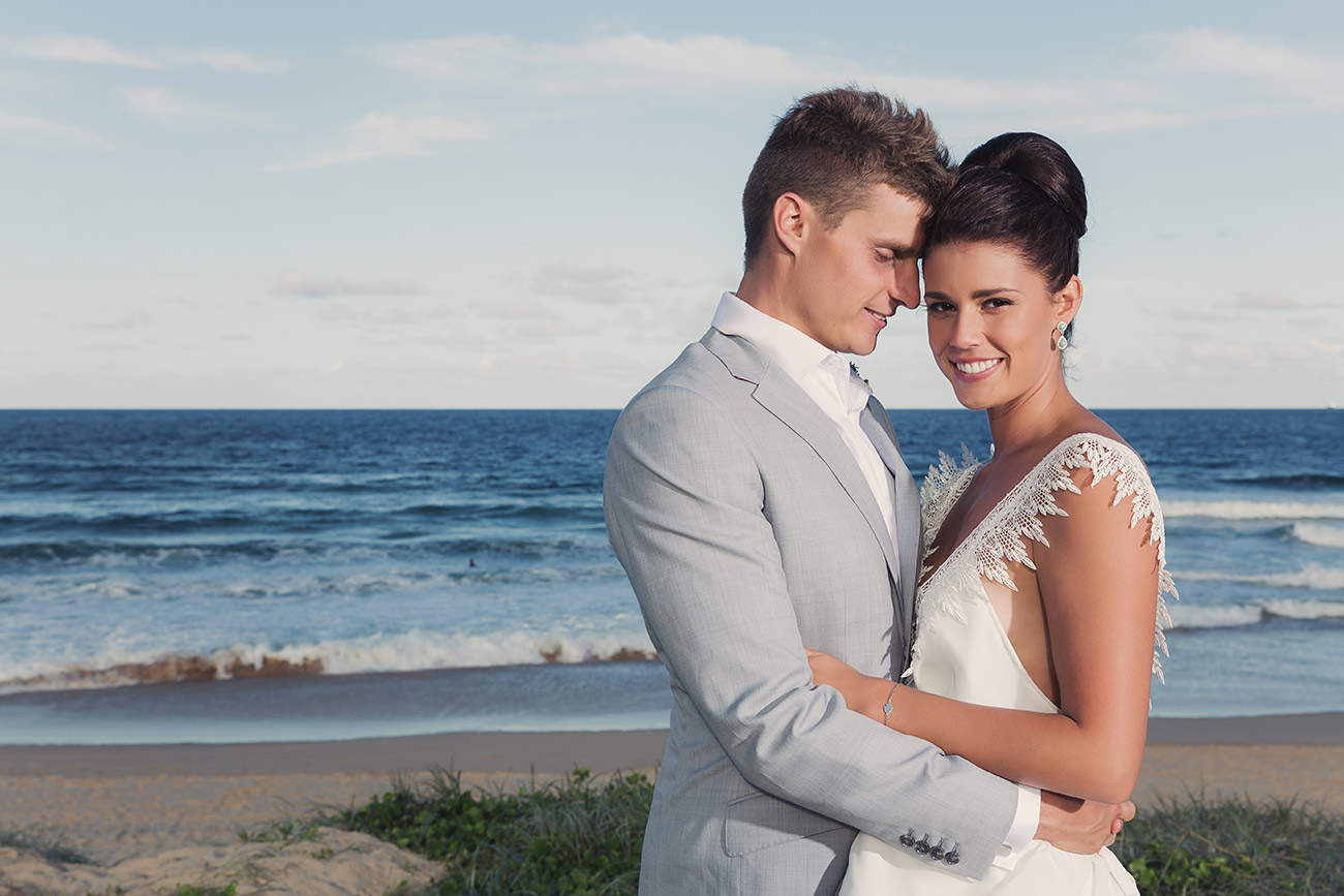 bride & groom wedding photo gold coast