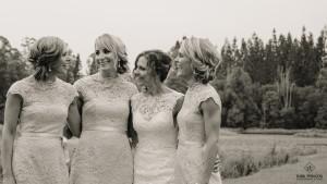 bride & bridesmaids wedding photography
