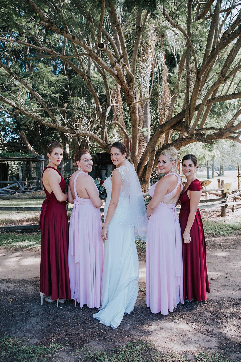 gold coast wedding photo of bridal party